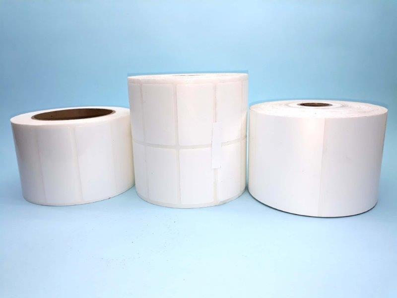 Etiqueta adesiva branca rolo